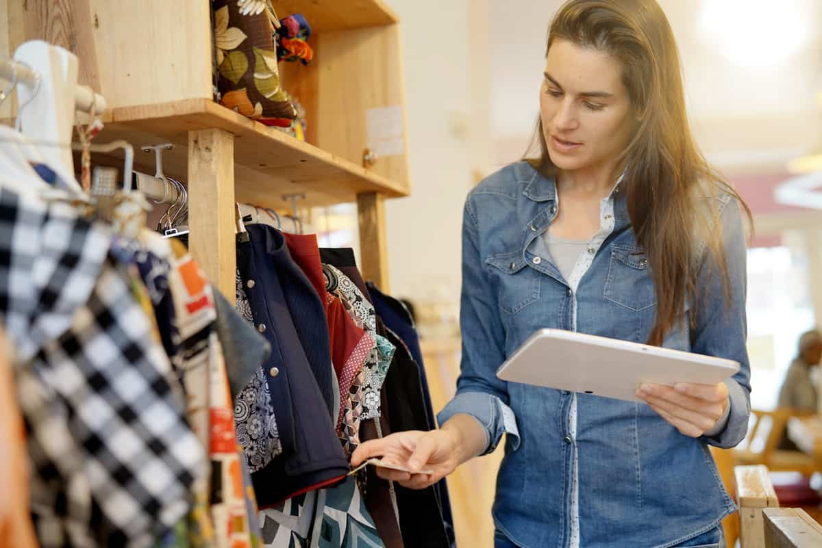 Can Physical Retailers Compete with Online Stores? featured image