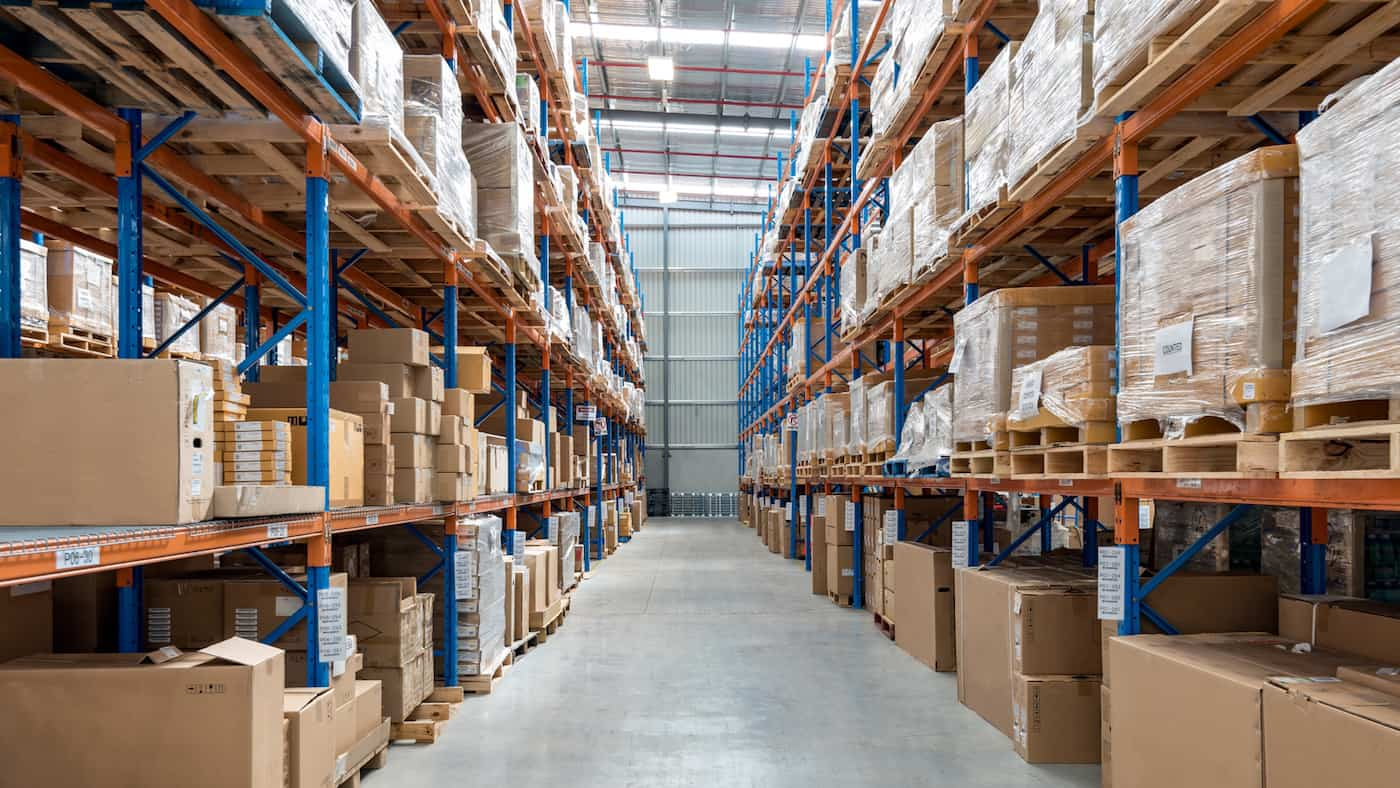 How Can a Business Manage Dead Stock? featured image