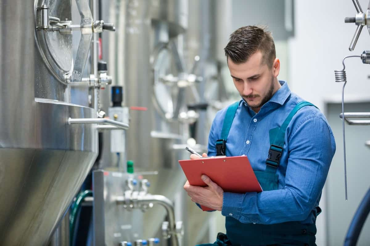 4 Ways to Lift Manufacturing Productivity: The MFP Approach featured image