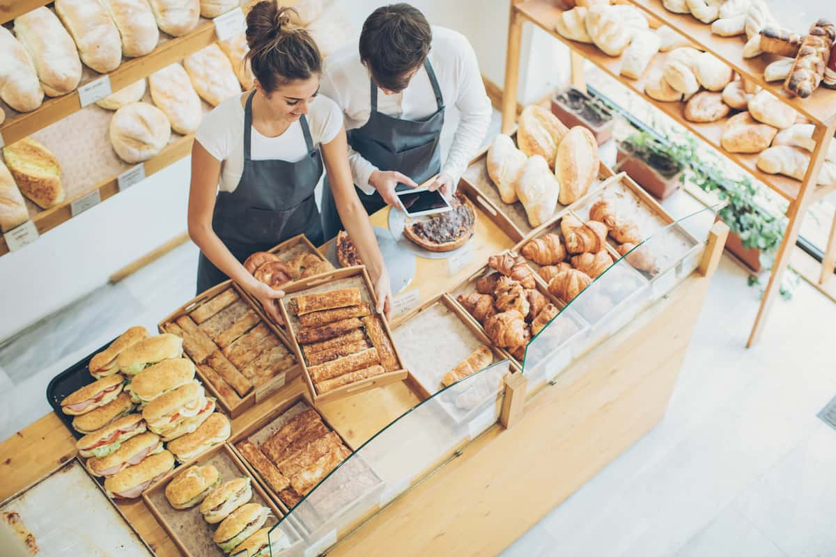 The Reluctance to Automate Leaves UK's Food Industry Stagnant featured image