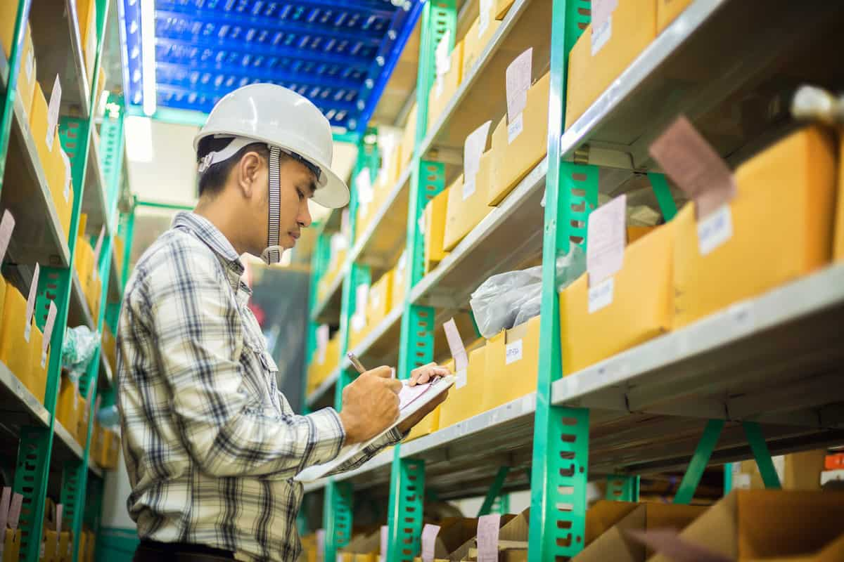 How to Manage Inventory in a Seasonal Business featured image