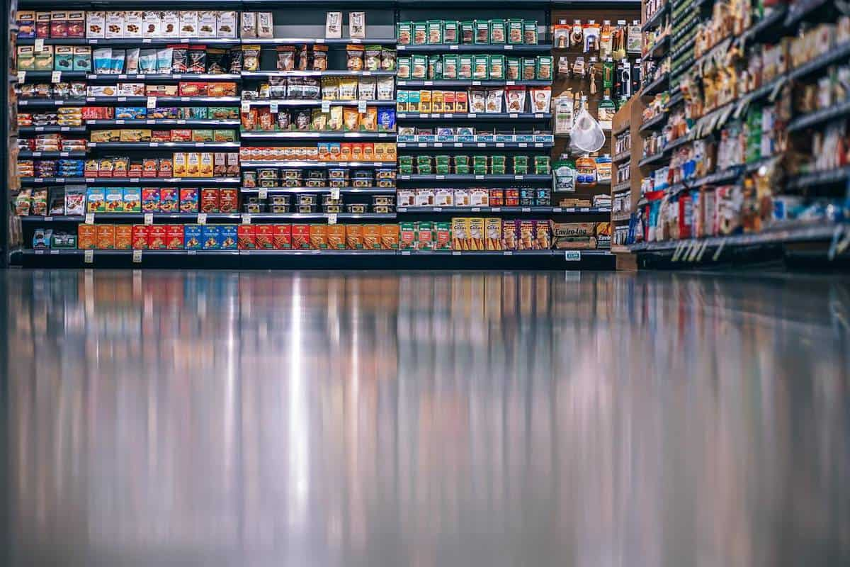 Inventory Management Challenges in the Food & Beverage Industry featured image