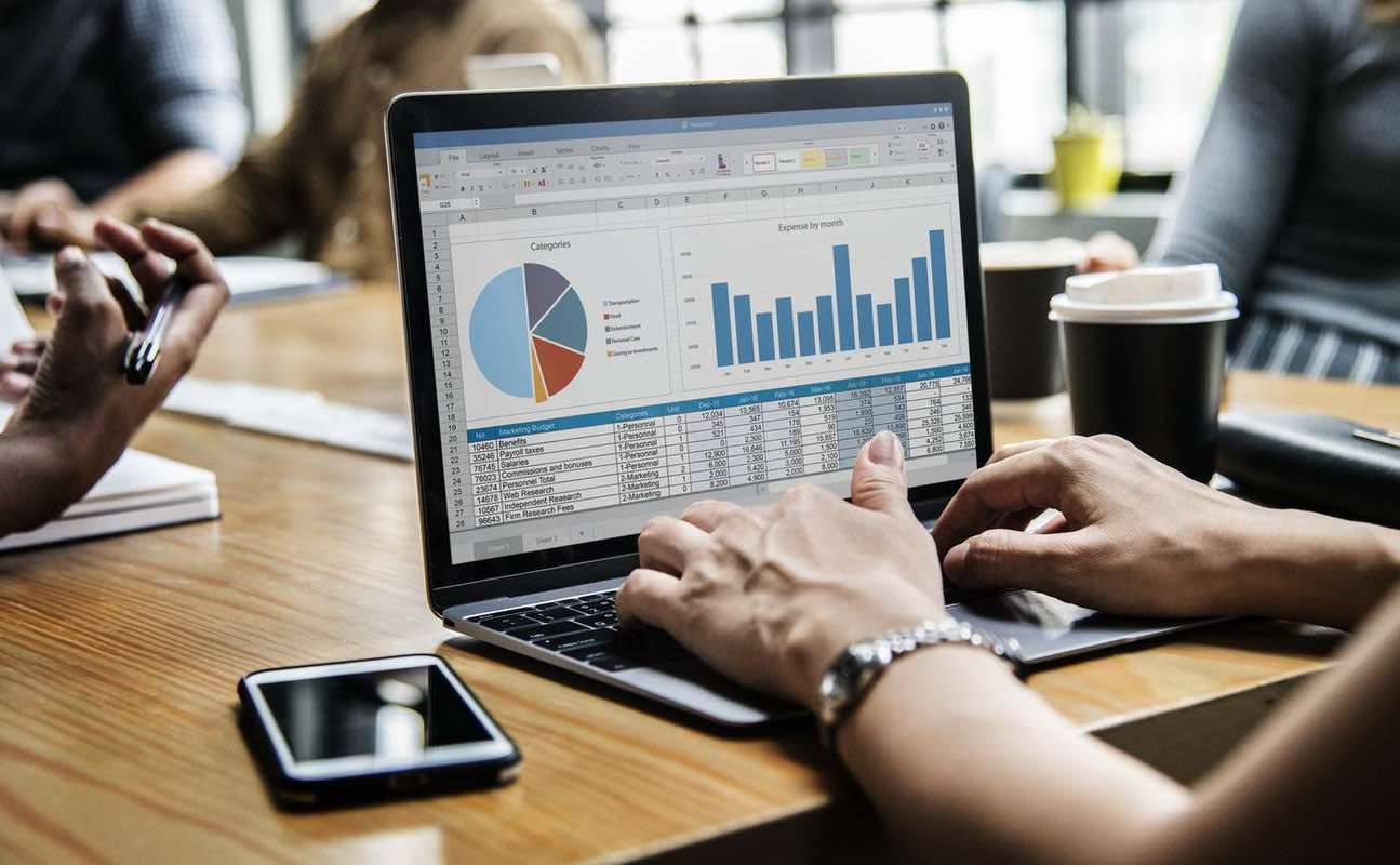 Let Business Intelligence Support Your Decision Making featured image