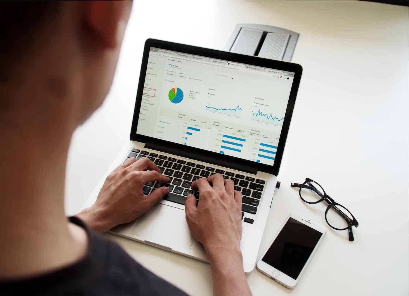 Business Reporting and Business Intelligence: What's the difference? featured image