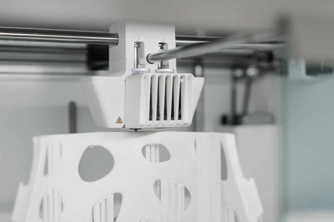 12 Benefits of Additive Manufacturing and 5 Disadvantages featured image